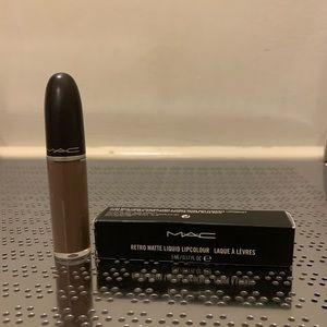 MAC Retro Matte Liquid Lipcolour in Simply Smoked